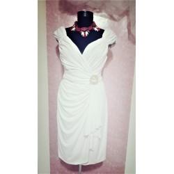 Rochie alba eleganta, petrecuta, marca Maggy London