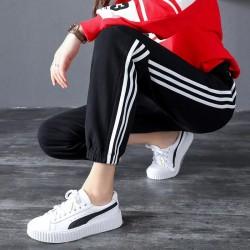 Pantaloni negri trening cu dungi albe